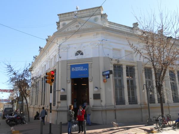 BROU Sucursal San José